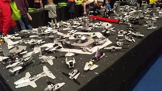 イギリスで大人気の「BRICKLIVE BUILD ZONE featuring LEGO STARWARS BRICKS」